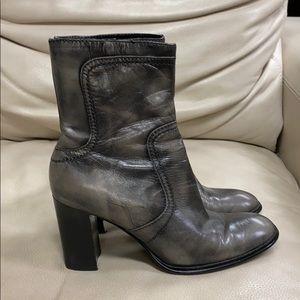 Nine West Nwoyrson Antiqued Gray Leather Boots